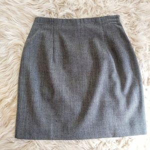 Ann Taylor wool/spadex herringbone mini skirt